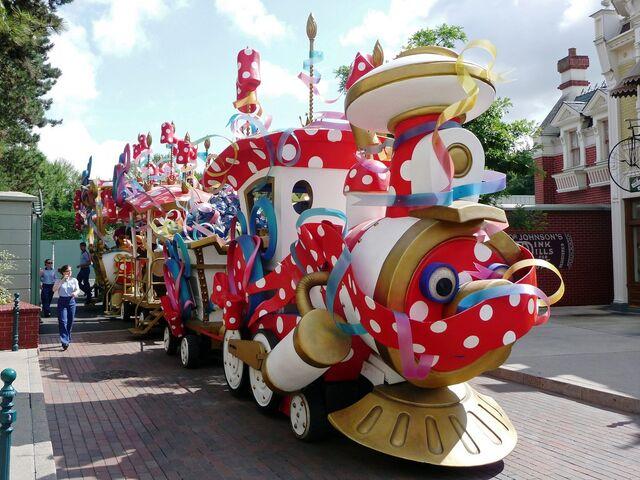 File:Minnie's Party Train 2009.jpg