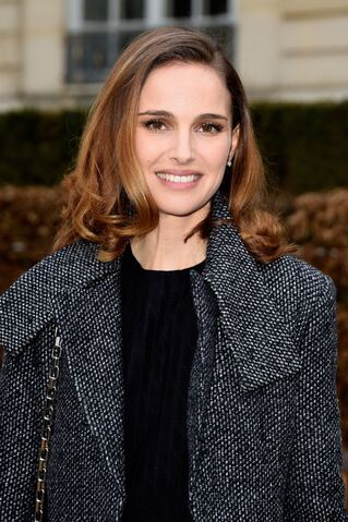 File:Natalie-portman-christian-dior-fashion-show-in-paris-january-2015 1.jpg