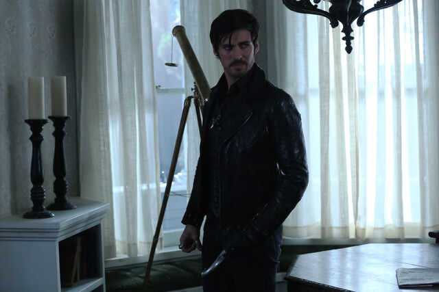 File:Once Upon a Time - 5x08 - Birth - Released Image - Hook.jpg