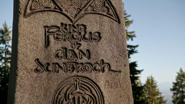 File:Furgus's Tombstone Up-Close.jpg