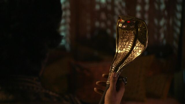 File:Once Upon a Time in Wonderland - 1x04 - The Serpent - Amara as a Staff.jpg