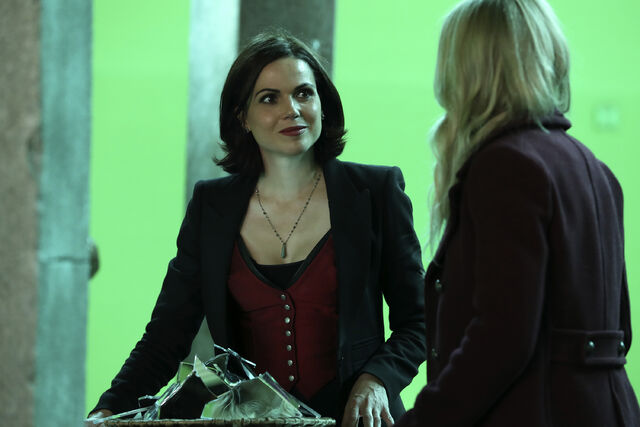 File:Once Upon a Time - 6x08 - I'll Be Your Mirror - Production Images - 3.jpg