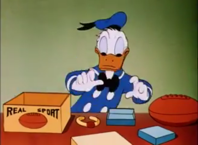 File:Donald Duck the clock watcher 1945 screenshot 11.png