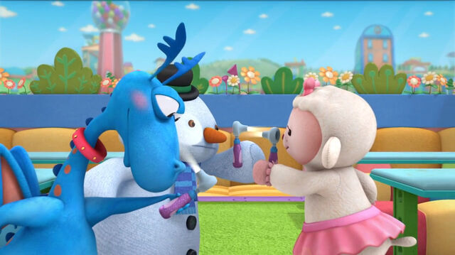 File:Stuffy, lambie and chilly check each other's eyes.jpg