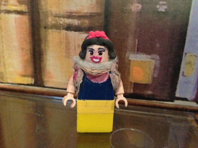 File:Lego Snow White.JPG