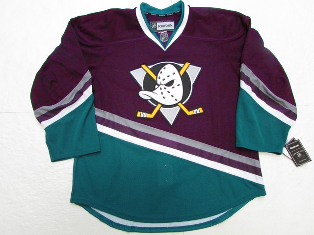 File:Mighty Ducks 2013 throwback jersey.png