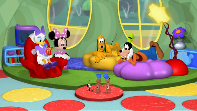 File:The gang without mickey and donald.jpg