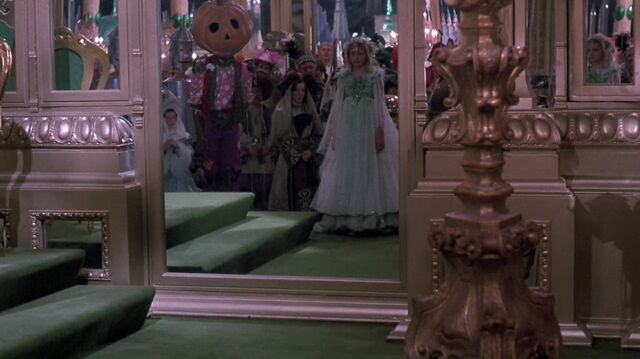 File:Return-to-oz-disneyscreencaps.com-11678.jpg