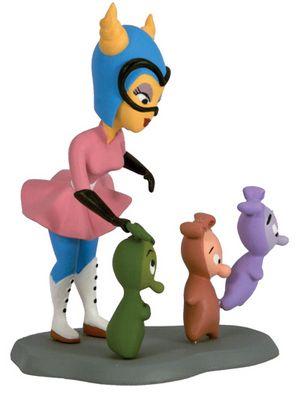 File:Fifinella-and-widgets-figurine.jpg