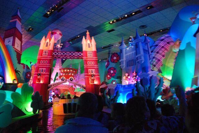 File:Disneylandparis63 196.jpg