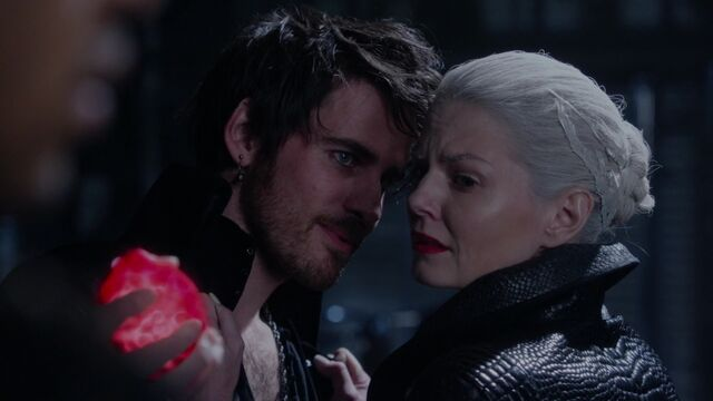 File:Once Upon a Time - 5x10 - Broken Heart - Heart Crush.jpg