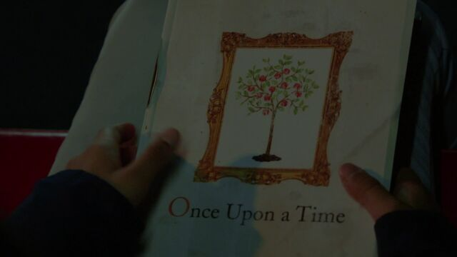 File:Once Upon a Time - 6x21 - The Final Battle Part 2 - Once Upon a Time Book.jpg