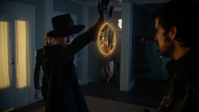 File:Once Upon a Time - 5x08 - Birth - Zelena Dreamcatcher.jpg