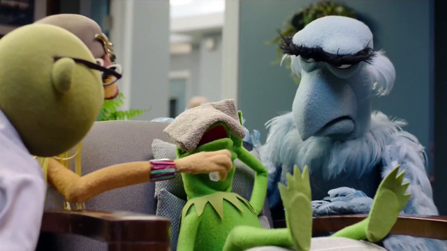 File:TheMuppets-S01E07-KermitDown.png