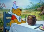 Winnie-the-pooh-disneyscreencaps.com-5252