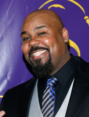 James Monroe Iglehart Aladdin Opening Night DcouaMN4uxCl