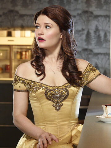 File:Belle-once-upon-a-time-33843201-540-720.jpg