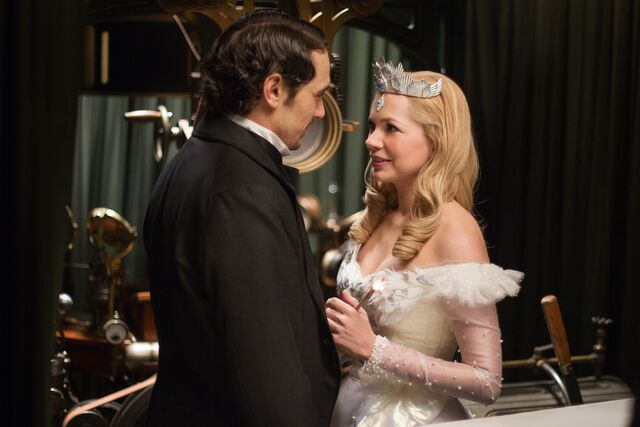File:Oz the Great and Powerful 07.jpg