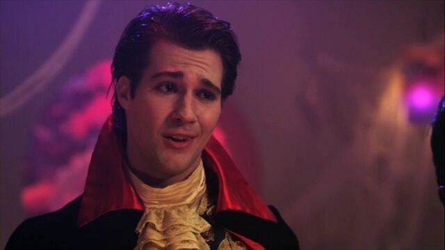 File:James Maslow dress as a vampire.jpg