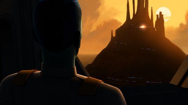 File:Enter-thrawn-in-star-wars-rebels-S3-promo.jpg