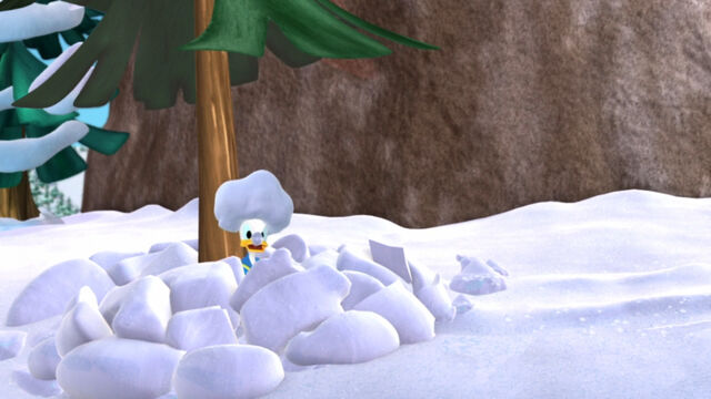 File:Donald covered in snow.jpg