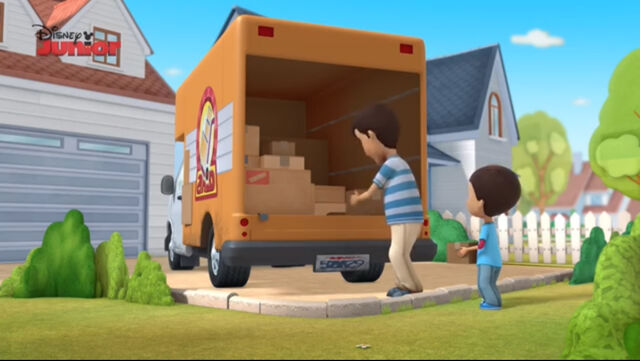 File:Carlos and his dad moving truck.jpg