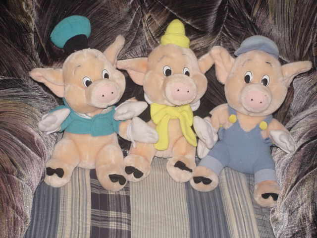 File:Three Little Pigs dolls.jpg