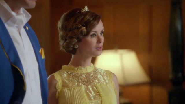 File:Belle in Descendants.jpg