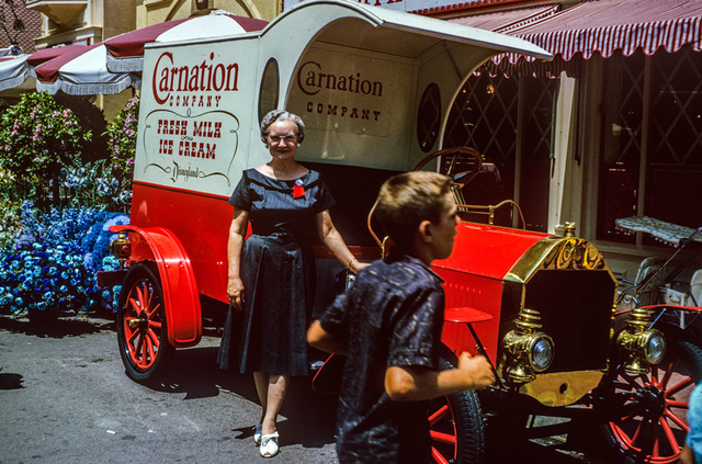File:Carnation Truck.png
