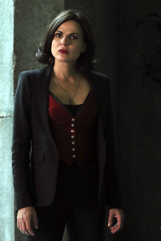 File:Once Upon a Time - 6x08 - I'll Be Your Mirror - Photography - Regina 2.jpg