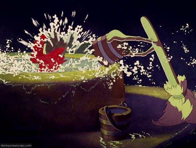 File:Fantasia-disneyscreencaps com-2445.jpg