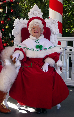 File:Mrs. Claus.PNG