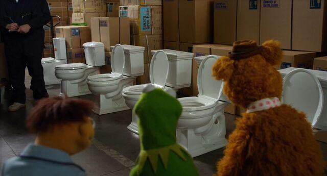 File:Muppets2011Trailer02-64.jpg