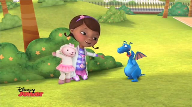 File:Doc and lambie singing to stuffy.jpg