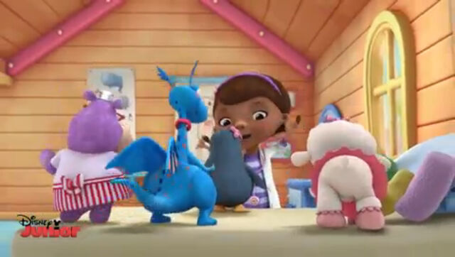 File:Doc, lambie, hallie, stuffy and waddly penguin.jpg