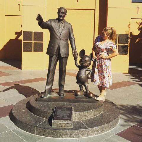 File:The statue of Walt Disney and Mickey Mouse.jpg