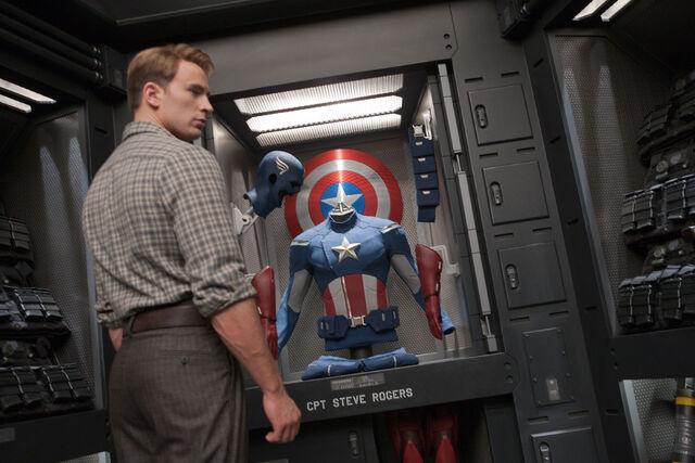 File:StevesSuit-Avengers.jpg