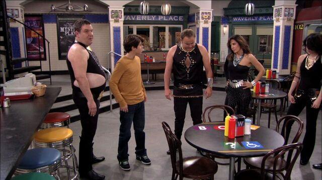 File:Wizards of Waverly Place - 3x17 - Dude Looks Like Shakira - Dressed Up Family.jpg
