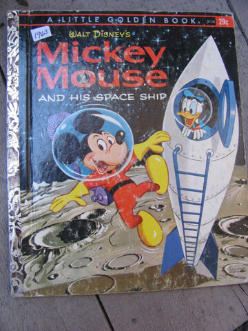 File:Mickey mouse and his space ship.jpg