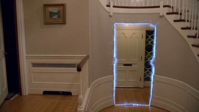 File:Once Upon a Time - 3x18 - Bleeding Through - Door Disappearing.jpg
