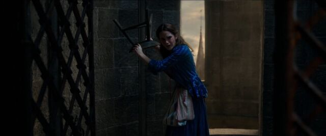 File:Beauty and the Beast – US Official Final Trailer 10.jpg