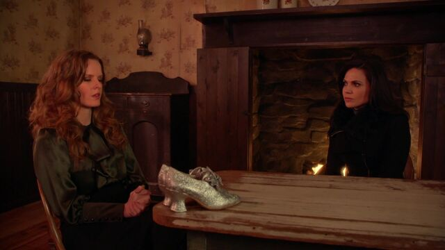 File:Once Upon a Time - 5x18 - Ruby Slippers - Zelena Regina Talk.jpg