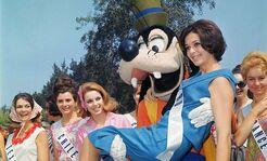 Disney-pluto-models-slide