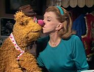 Fozzie nancy kiss