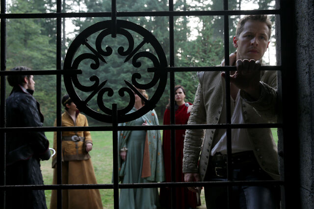 File:Once Upon a Time - 5x07 - Nimue - Publicity Image - Charming at Gates.jpg