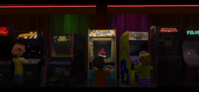 File:Polybius in Wreck-It Ralph.jpg