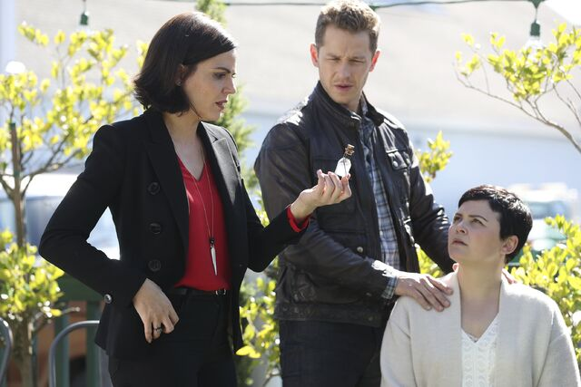 File:Once Upon a Time - 6x07 - Heartless - Promotional Images - Regina, David and Snow.jpg