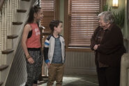 Raven's Home - 1x03 - The Baxters Get Bounced - Photography - Tess and Levi