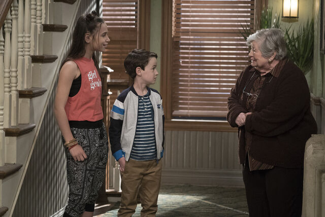 File:Raven's Home - 1x03 - The Baxters Get Bounced - Photography - Tess and Levi.jpg