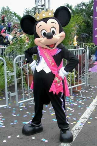 File:Prince Mickey - Princess Half Marathon.jpg